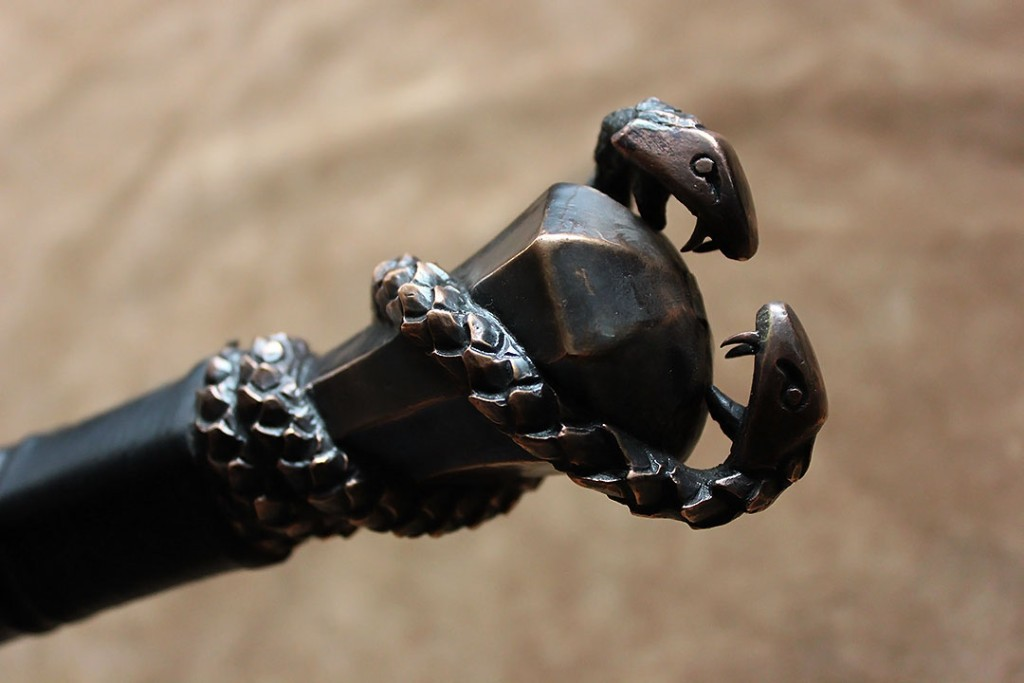 1320-The-Warmonger-pommel-detail3